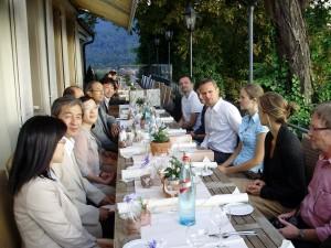Japanische Delegation und Mitarbeiter des SHI