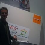 Peter Bachmann freut sich über das SHI Logo am Fermacell Stand