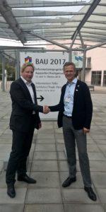 Intensivieren ihre erfolgreiche Zusammenarbeit: Steffen Mechter, BayWa AG, und Peter Bachmann, Sentinel Haus Institut